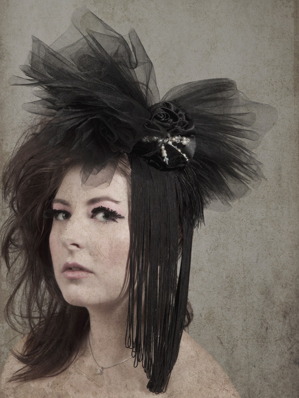 Fascinating Fascinators! Sophistique Noir's Monthly Theme Post