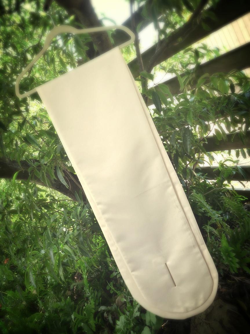 Sew 2012 #020: Cream Satin Stol