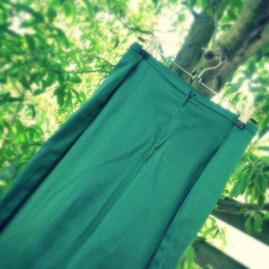Sew 2012 #022: A Back Up Christmas Skirt - Back