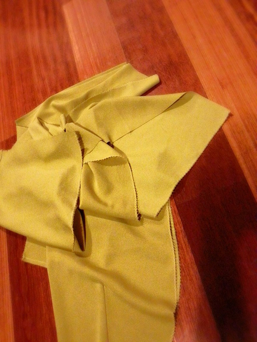 Sew 2012 #026 (Fail): Sub-lime Pencil Skirt with Pockets!!