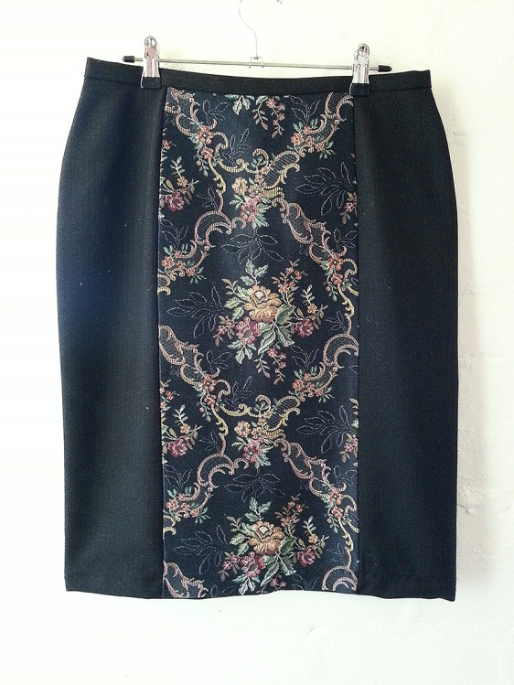 Perfect Sitting Pencil Skirt