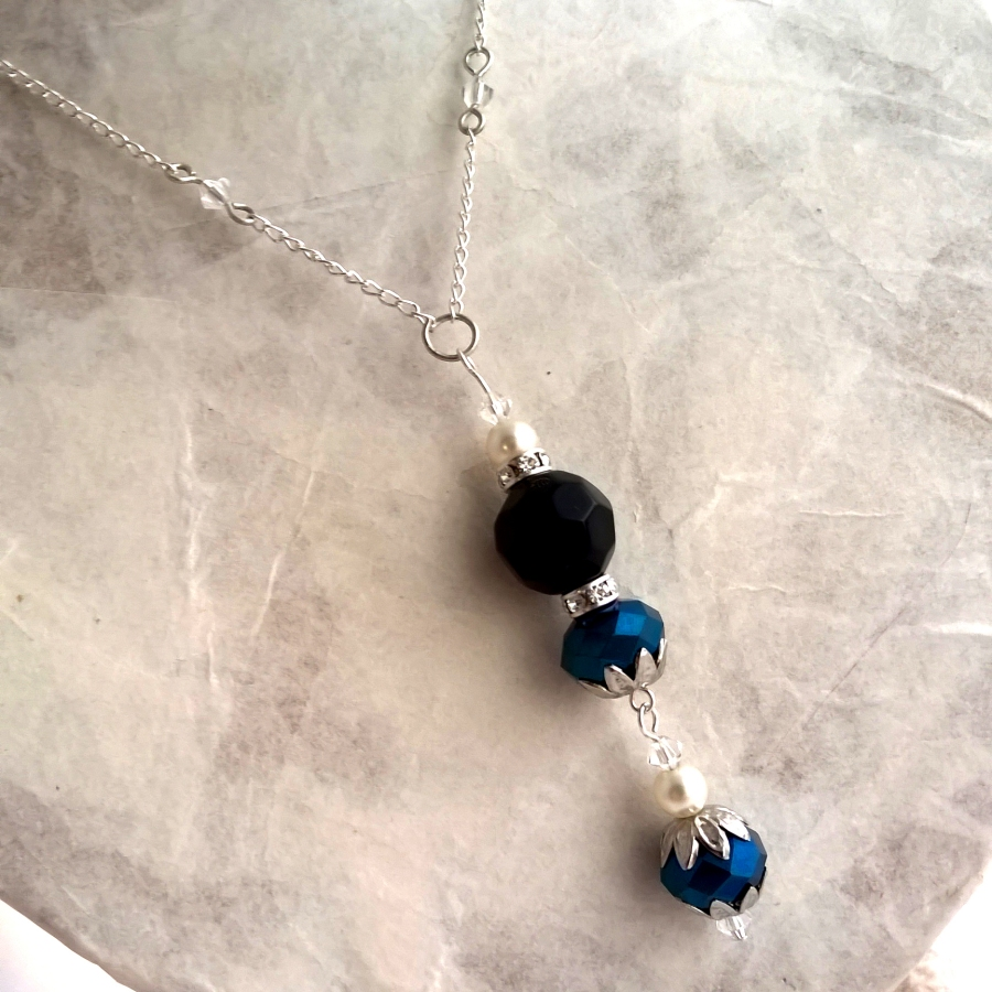 Glass bead and crystal necklace with pearl Swarovski crystals